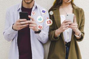joindre service après-vente sur les médias sociaux