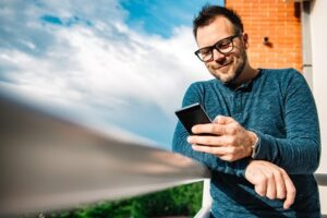Consulter le SAV de Samsung sur les médias sociaux